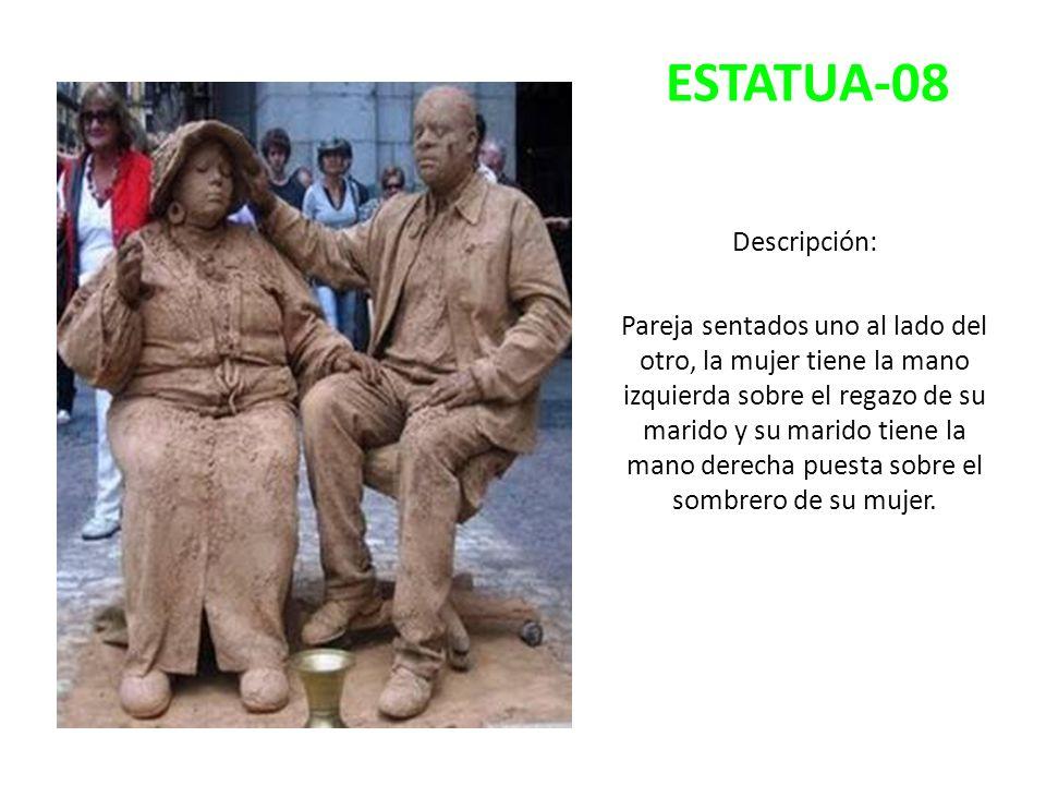 ESTATUA-08 Descripción: Pareja sentados uno al lado del otro, la mujer tiene la mano izquierda sobre el regazo de su marido y su marido tiene la mano