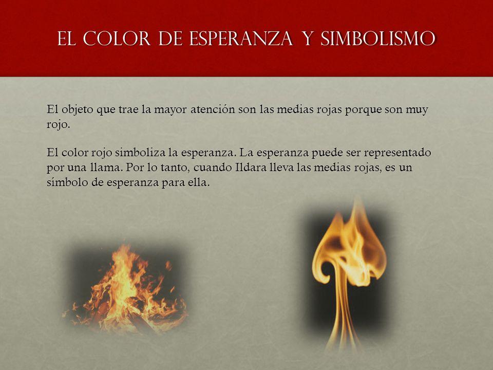 El Color de esperanza y Simbolismo El objeto que trae la mayor atención son las medias rojas porque son muy rojo. El color rojo simboliza la esperanza