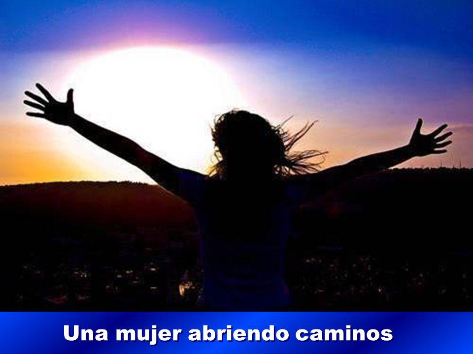 mira hacia el cielo y emprende con ella la conquista de tu libertad