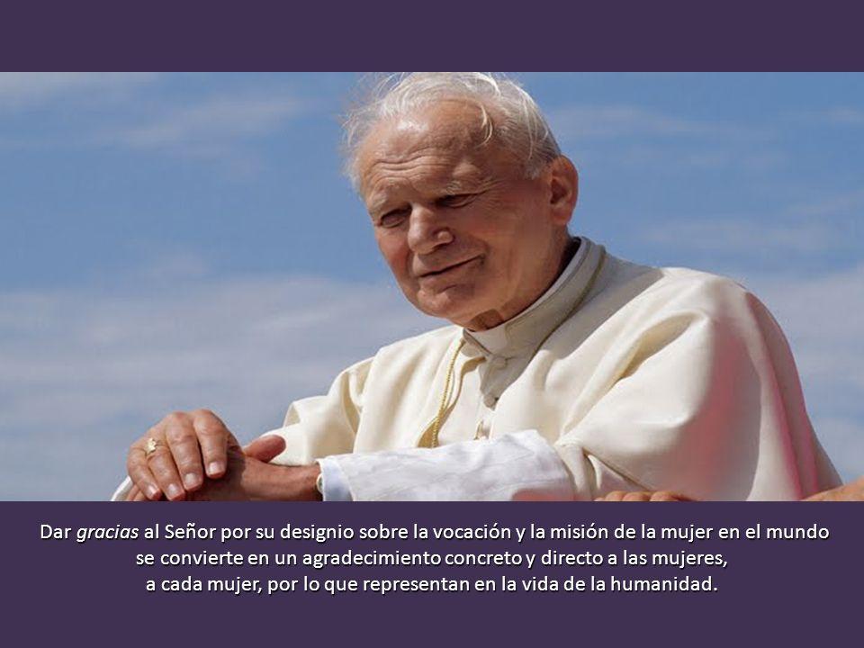El punto de partida de este diálogo ideal no es otro que el de dar gracias. «La Iglesia desea dar gracias a la Santísima Trinidad por el