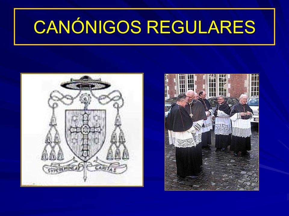 CANÓNIGOS REGULARES