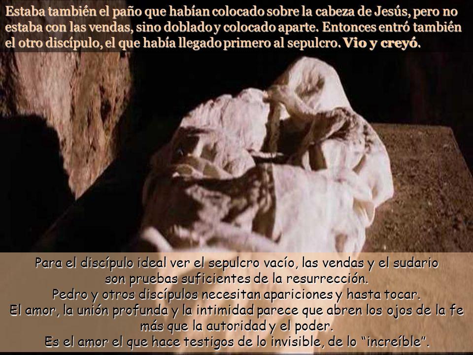 Estaba también el paño que habían colocado sobre la cabeza de Jesús, pero no estaba con las vendas, sino doblado y colocado aparte.