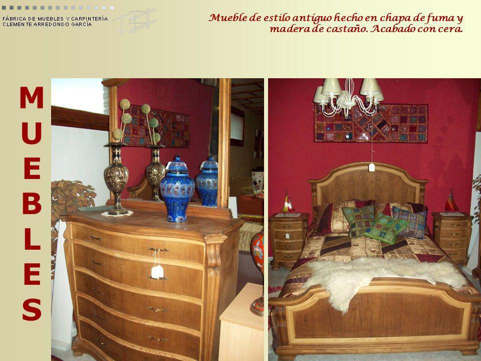MUEBLESMUEBLES Mueble de estilo antíguo hecho en chapa de fuma y madera de castaño. Acabado con cera.
