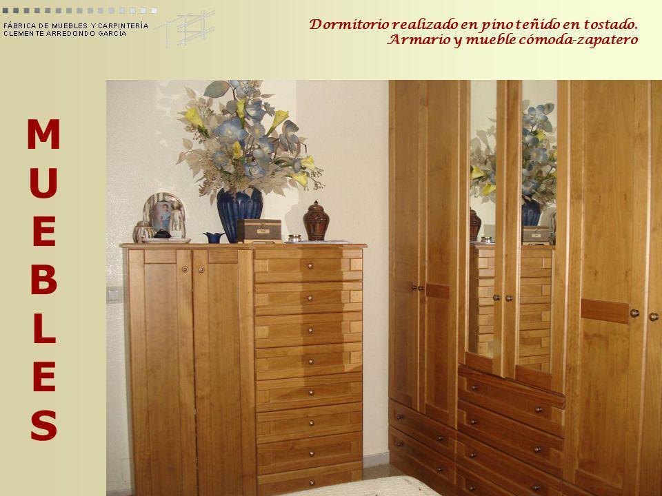 MUEBLESMUEBLES Dormitorio realizado en pino teñido en tostado. Armario y mueble cómoda-zapatero