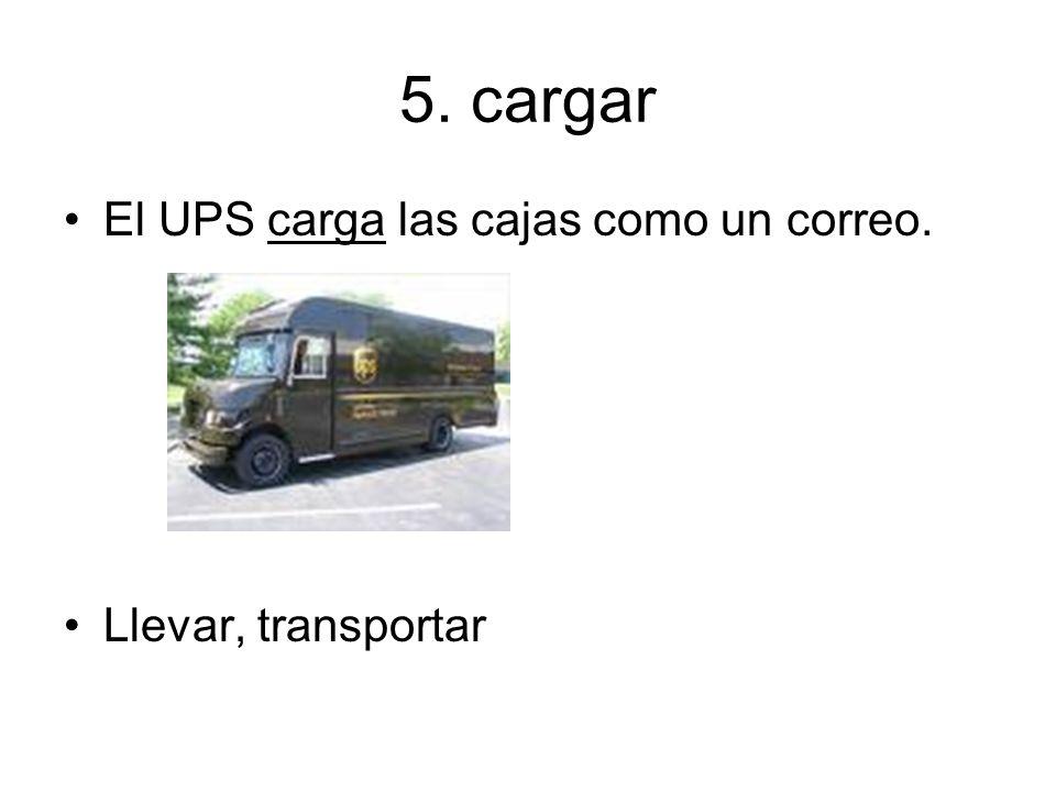 5. cargar El UPS carga las cajas como un correo. Llevar, transportar