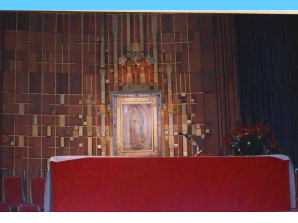TERCERA APARICIÓN Al día siguiente, domingo 10 de diciembre en la tarde, cuando Juan Diego (Cuauhtlactoatzin), regresaba de misa, dándole a la Virgen la noticia de que el Obispo había pedido una señal si en verdad era la Virgen.