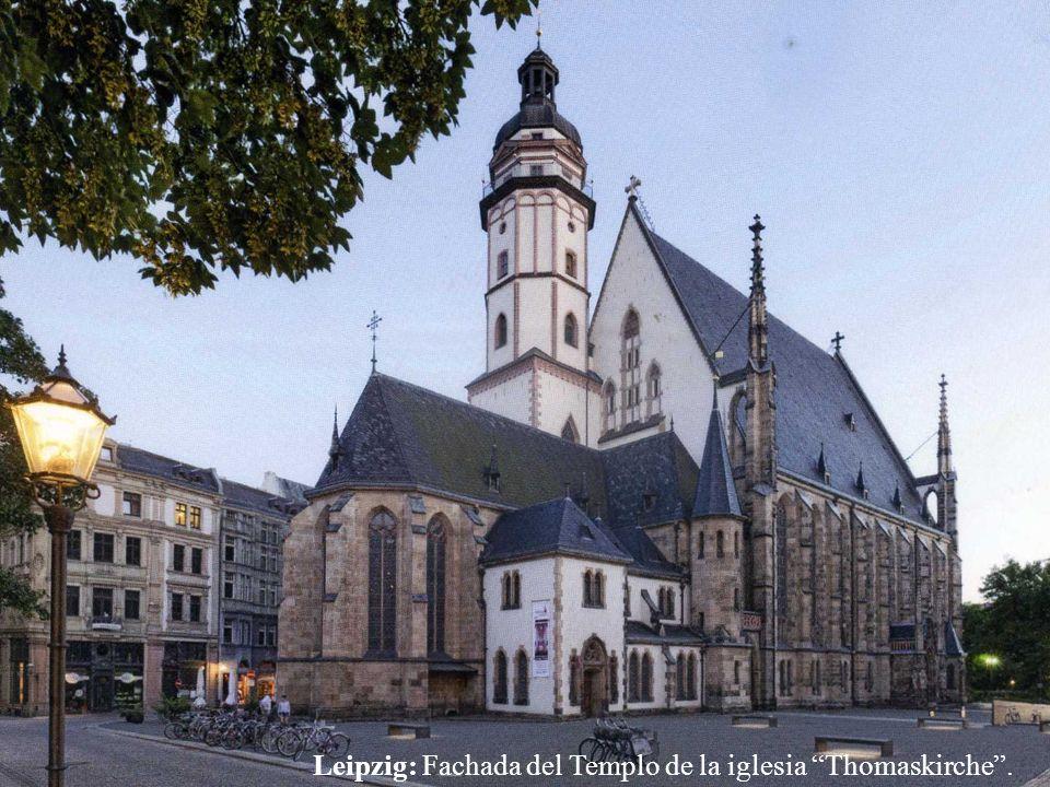 Leipzig. Edificio donde el Dr. Luther introdujo la Reforma en la ciudad. -------- Nikolaikirche: En este lugar empezaron las reuniones de oración que