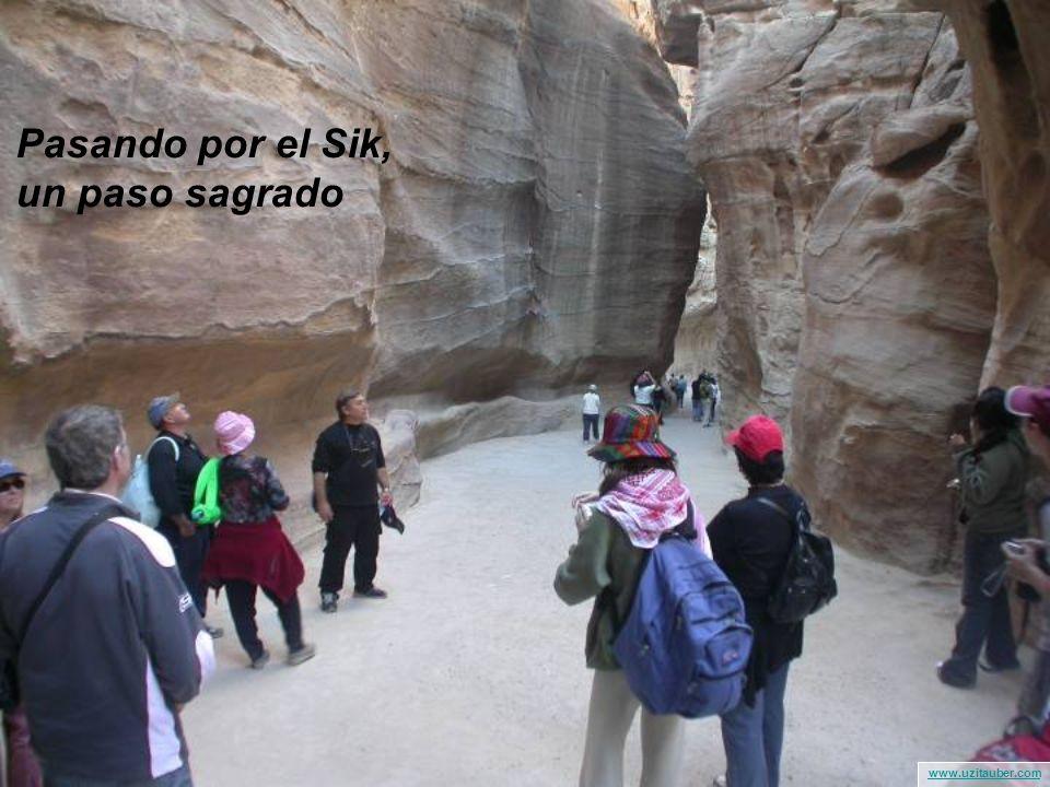 www.uzitauber.com מתחילים בצעדה לכיוון המקום הקדוש Paseo hacia el lugar sagrado