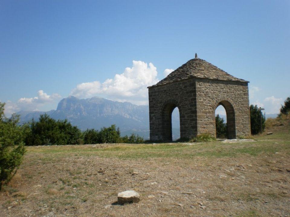Los esconjuraderos son pequeñas construcciones de origen medieval típicas del Pirineo, sobre todo del Pirineo aragonés, aunque también se pueden encon