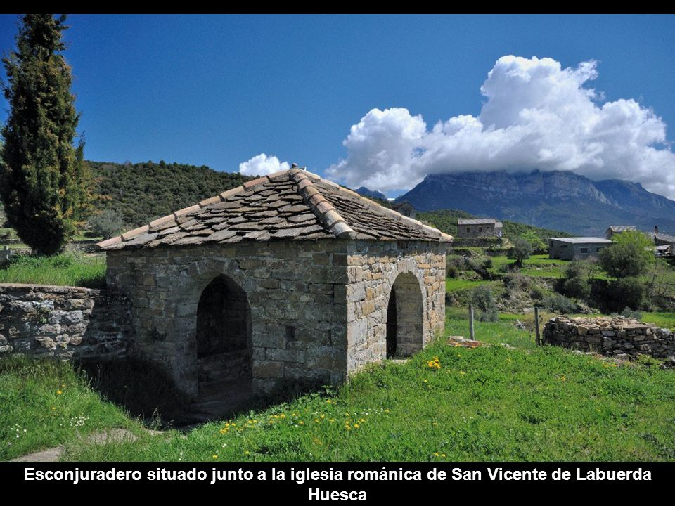Torre e iglesia de San Salvador de Guaso, Huesca, y esconjuradero