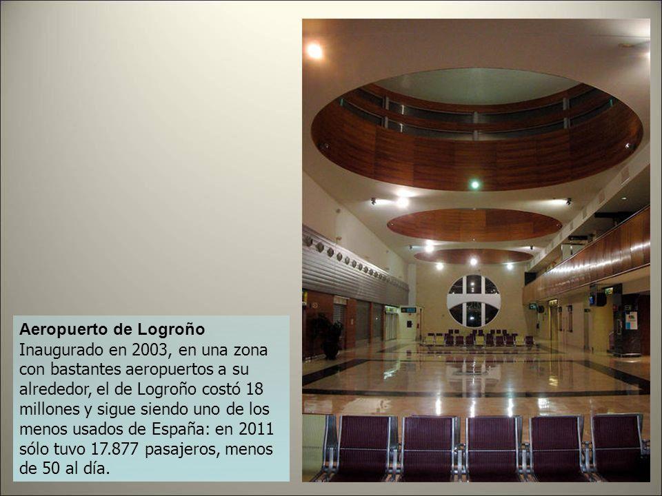 Aeropuerto de Lérida Presupuestado en 42 y con un costo de 90 millones al final de su construcción, el Aeropuerto de Lérida se levantó de la nada y co
