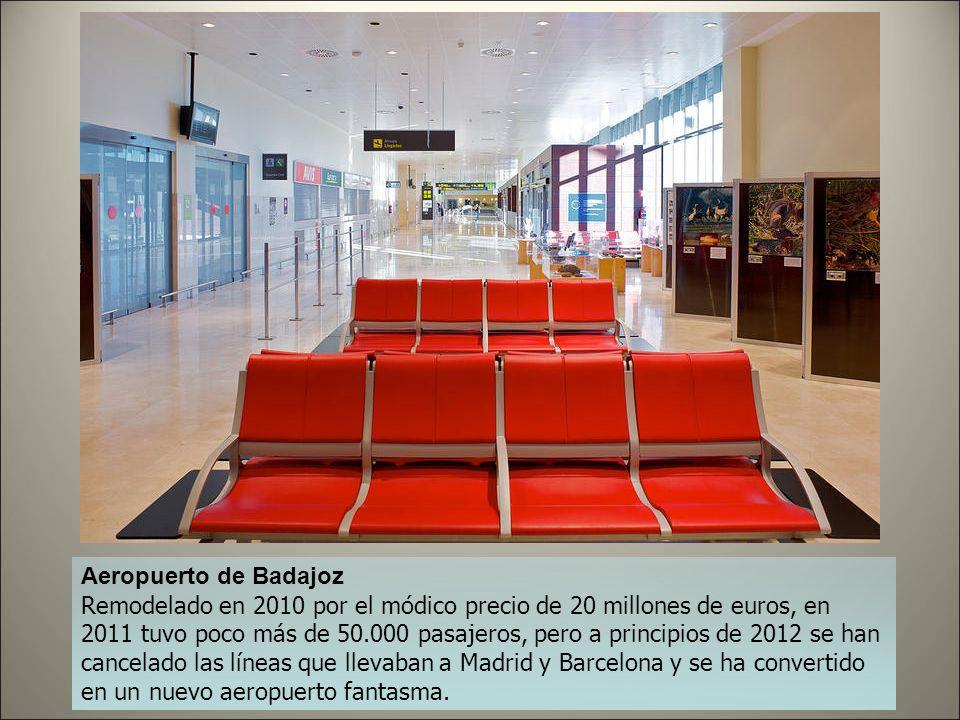Aeropuerto de Albacete La coqueta terminal del Aeropuerto de Albacete, inaugurada en 2005, costó siete millones y medio. La cifra de viajeros en 2011