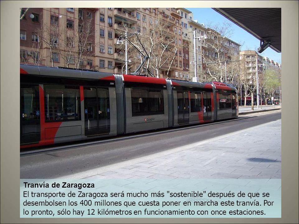 Tranvía de Vélez - Málaga Comparados con el caso de Sevilla los 25 millones que han costado los seis kilómetros de tranvía de Vélez-Málaga pueden resu