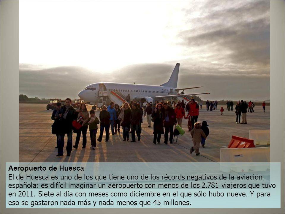 Aeropuerto de Ciudad Real El más famoso y costoso de estos aeropuertos ha sido el de Ciudad Real: 1.100 millones contemplan esta infraestructura ya ce