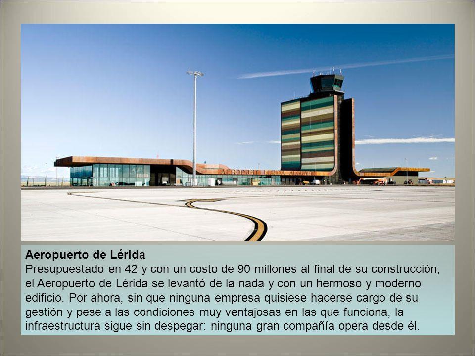 Aeropuerto de León Desde 2007 el Aeropuerto de León ha perdido la mitad de sus usuarios, pasando de 160.000 a poco más de 80.000. Sin embargo, en 2010