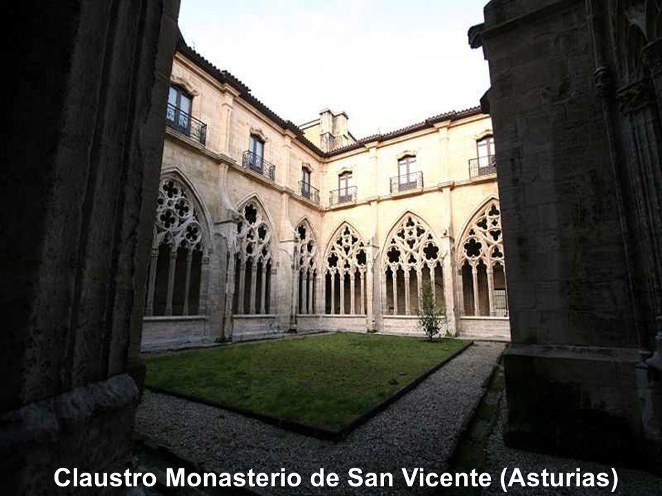 Claustro de Monasterio de San Zoilo (Carrión de los Condes – Palencia)
