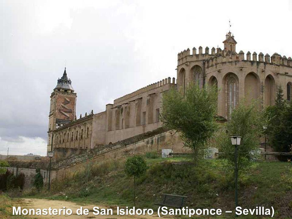 Claustro Monasterio de San Vicente (Asturias)