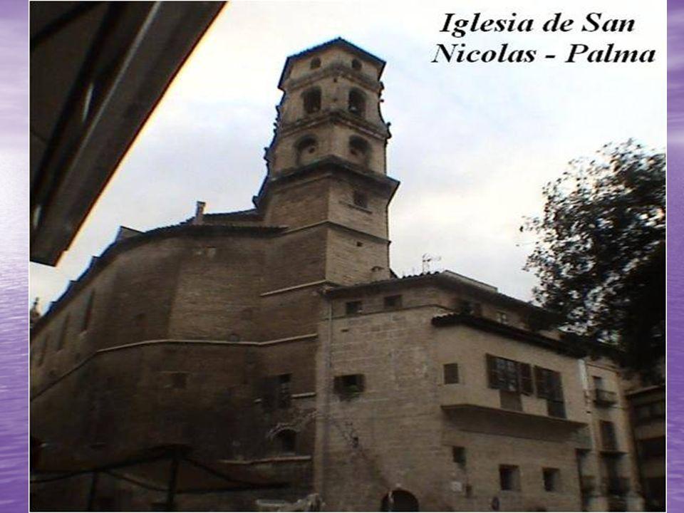 Iglesia de San Miguel: La iglesia está situada sobre un altozano, dando su fachada a la Calle de San Miguel; está aislada y su exterior es muy sencillo.