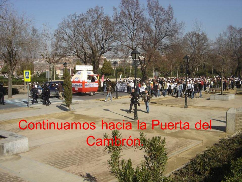 Continuamos hacia la Puerta del Cambrón.