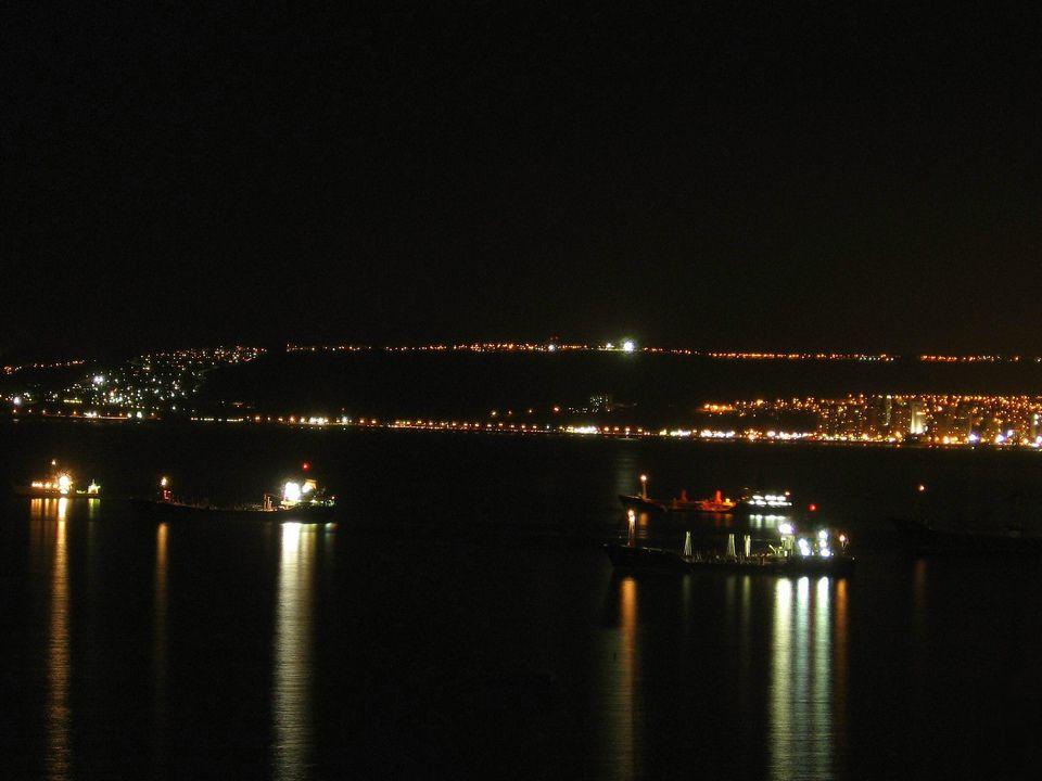 Más yo quisiera cantarte, con todito el corazón, Torpederas de mi ensueño, Valparaíso de mi amor.