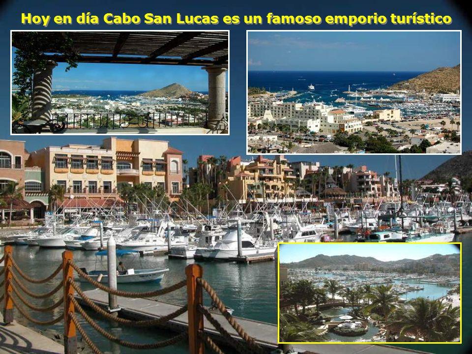 Y finalmente hacia el sur encontramos el Arco de Cabo San Lucas que marca simbólicamente la punta final de la Península Y finalmente hacia el sur enco