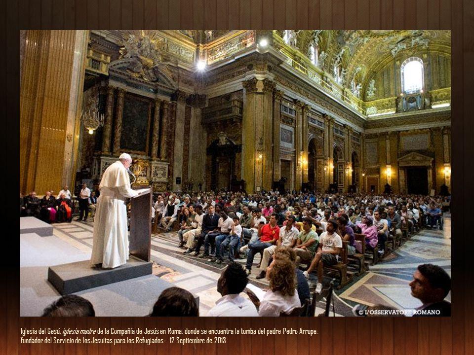 Soy un pecador El Papa se define a sí mismo como «un pecador». Y, recordando la extraordinaria imagen de Caravaggio sobre la vocación de Mateo, afirma