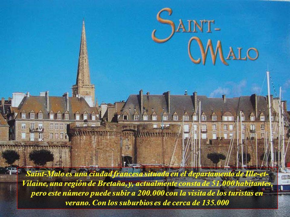 En el centro de la ciudad está Vieux Bassin (antiguo muelle) del siglo XVII, con pintorescas casas de seis o siete pisos. Este es un lugar agradable r