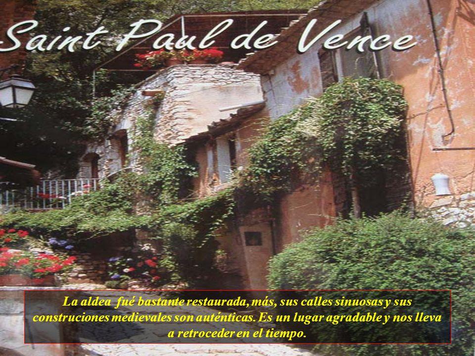 Saint Paul de Vence es una aldea del interior de Niza y está situada en una colina. Es una de las más famosas y visitadas por turistas de Francia. Sus