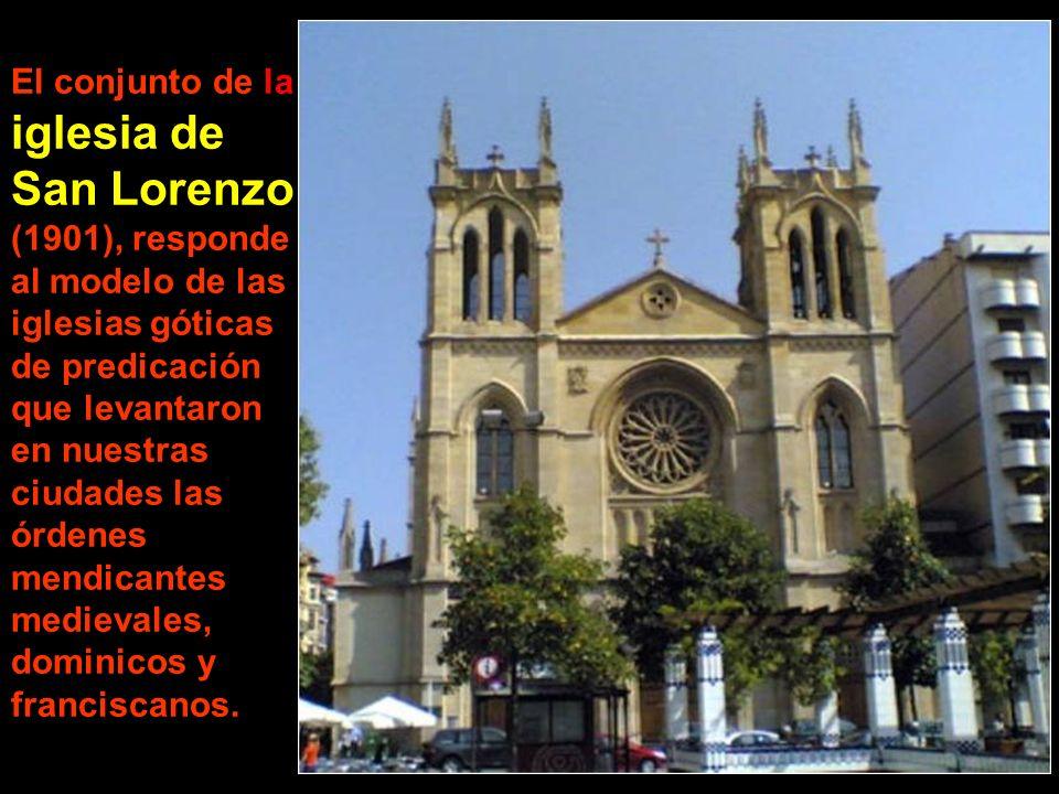 La iglesia de San Pedro ocupa uno de los extremos de la bahía. Junto a ella se abre el museo de las Termas Romanas.