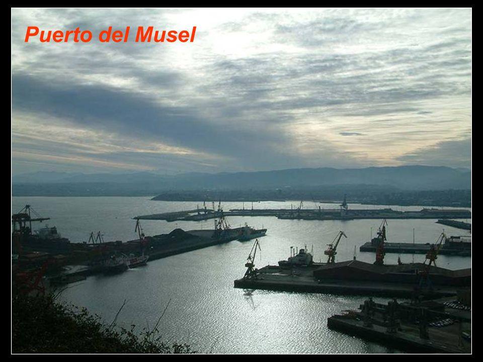 El Puerto de Gijón se presenta ante Europa como la mejor vía de entrada y salida a la mitad occidental de la Península Ibérica. Está equipado con las