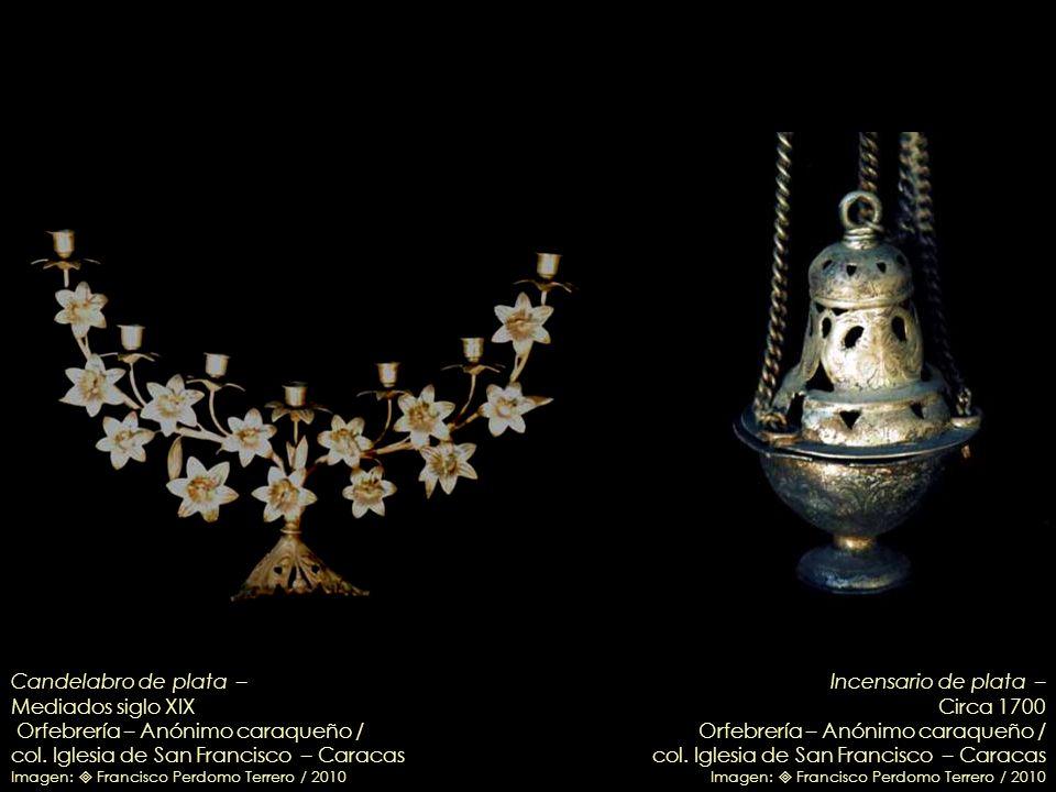 Cruz procesional en plata – Finales del s. XVIII Orfebrería de Pedro Fermín Arias / col. Iglesia de San Francisco – Caracas Imagen: Francisco Perdomo