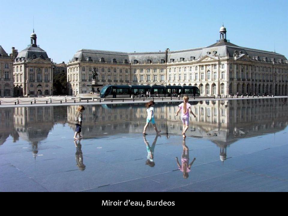 Miroir deau, Burdeos