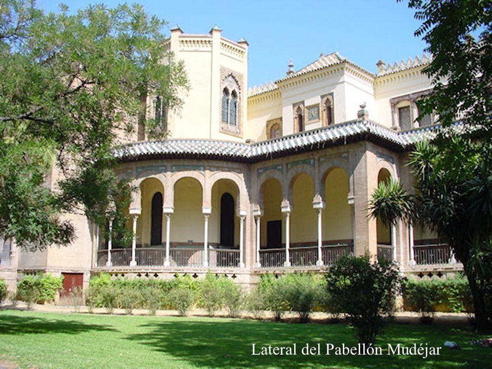 Pabellón Mudéjar Esta Situado en el parque de Maria Luisa, en la Plaza de América, es también otra obra de Aníbal González, realizado entre 1911 y 1914, para la Exposición Iberoamericana de 1929.