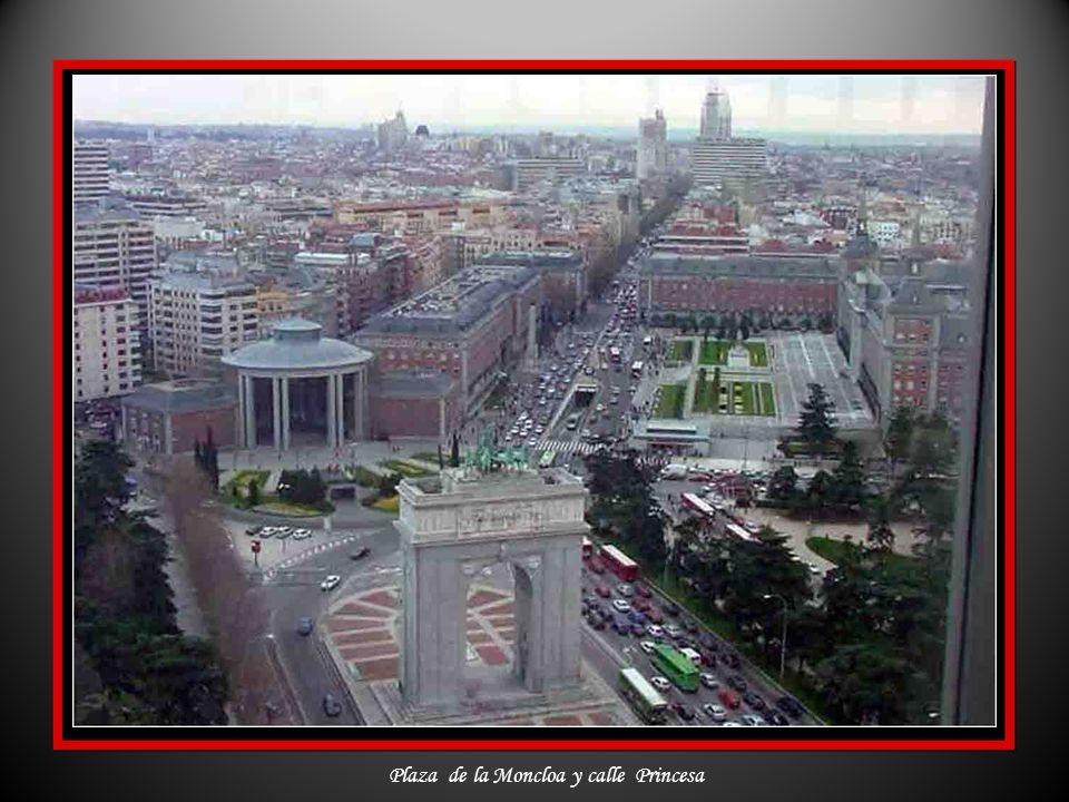 Plaza de la Moncloa y calle Princesa