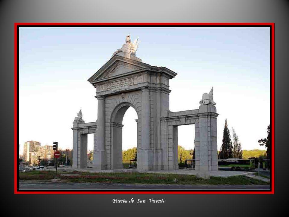 Paseo de Recoletos – Fuente de las Columnas