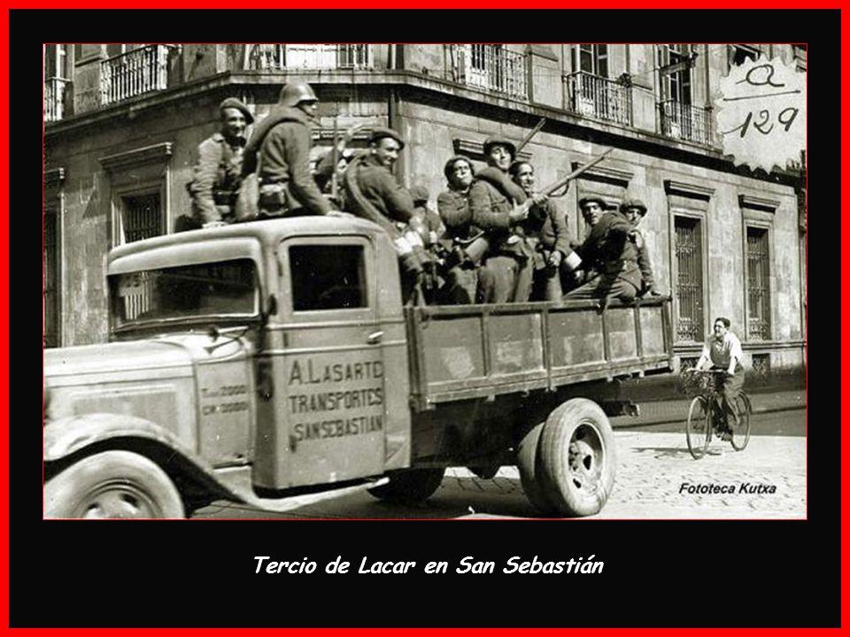 Brigada Navarra desfilando por La Gran Vía. Bilbao