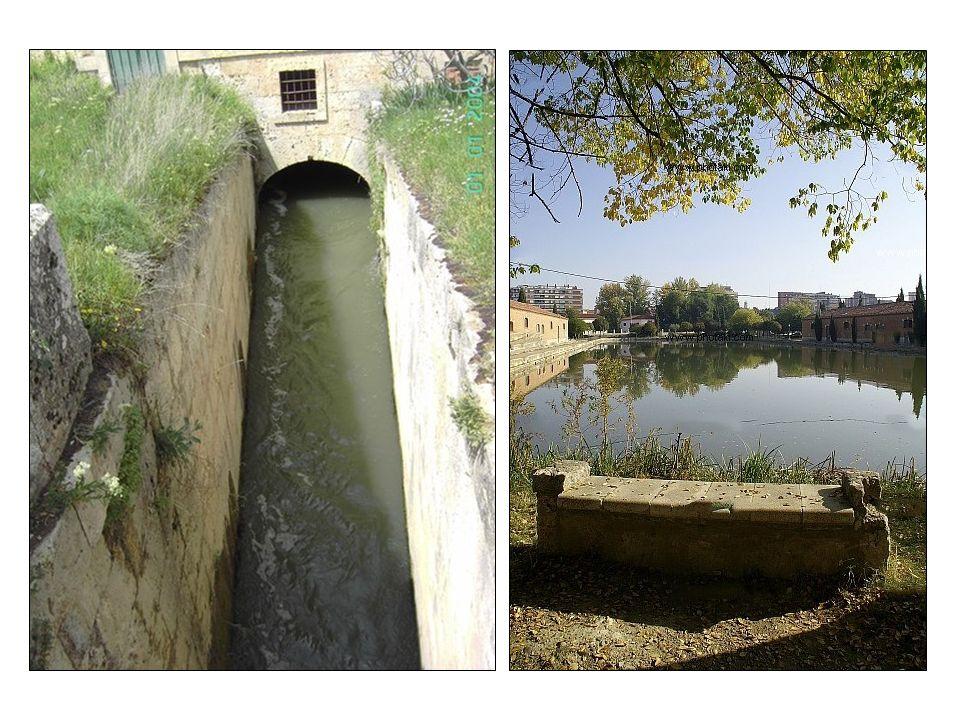 Navegación por el Canal de Castilla.Archivo de la Confederación Hidrográfica del Duero.