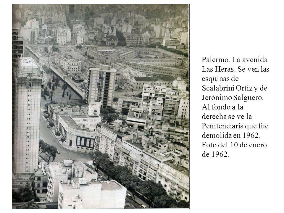 Palermo. La avenida Las Heras. Se ven las esquinas de Scalabrini Ortiz y de Jerónimo Salguero. Al fondo a la derecha se ve la Penitenciaría que fue de