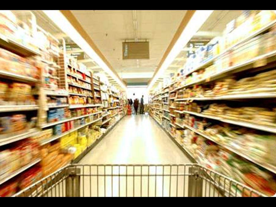 Una gran superficie que basa su beneficio en la explotación de sus trabajadores; en extorsionar a los campesinos y proveedores; en fomentar un consumismo irresponsable...