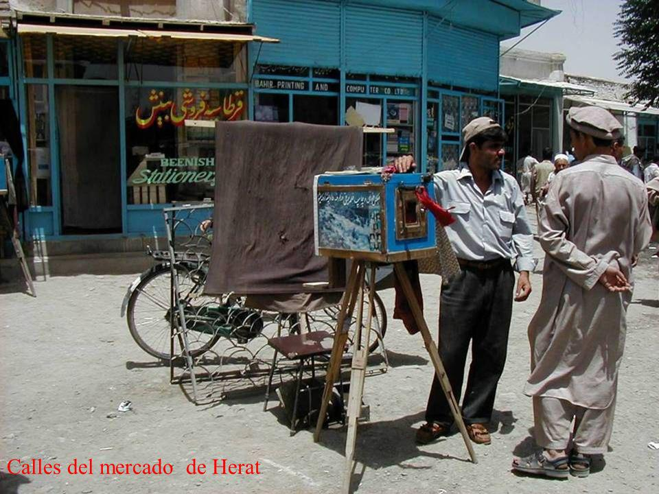 Calles del mercado de Herat