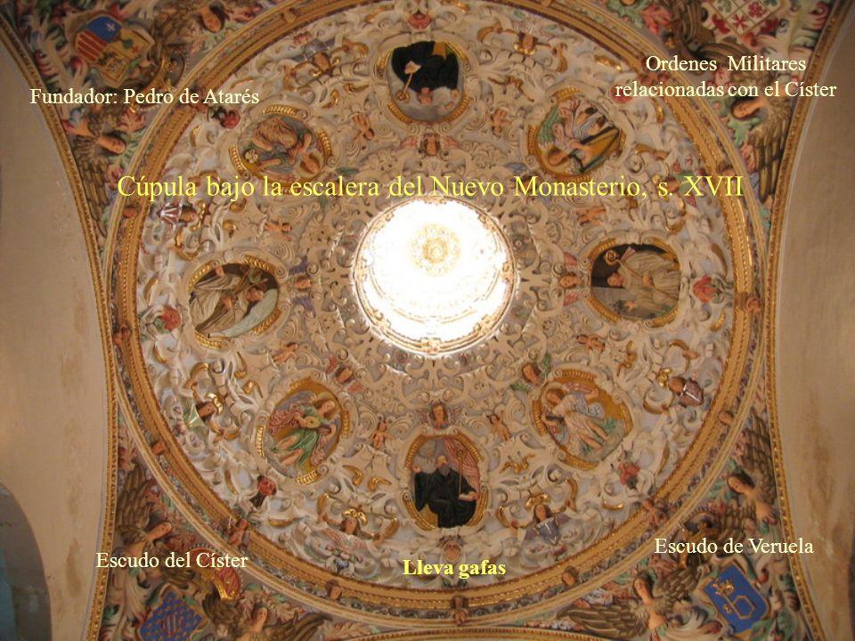 Antigua salida a la huerta. Actualmente es el paso al Nuevo Monasterio. La bóveda fue decorada con la nueva construcción, en el s. XVII