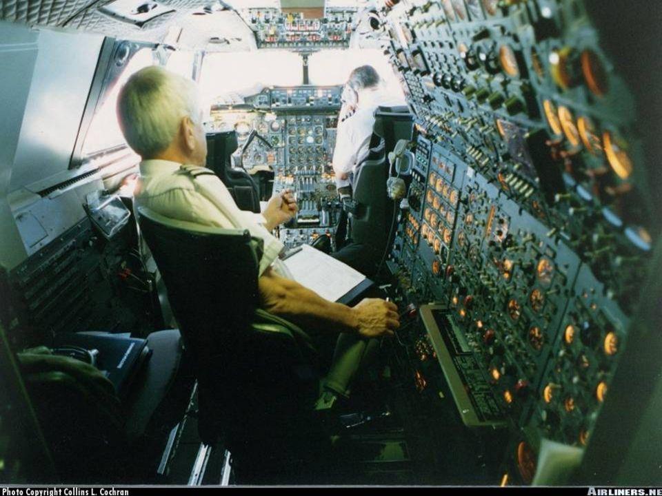 Impresionante! En vuelo, en su velocidad de crucero, el material aeronáutico de que está hecho, el Concorde se dilata debido a la velocidad y la tempe