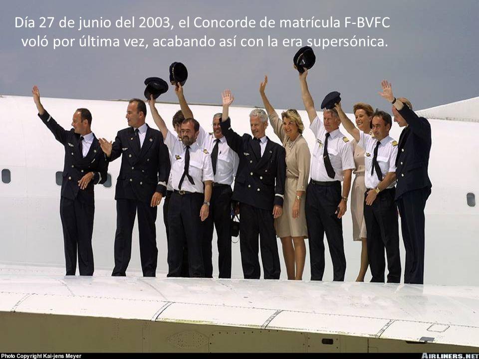 Después de más de 25 años de vuelos sin accidentes, la aeronave cayó en Paris, muriendo todos los de a bordo. La causa del accidente no fue por proble