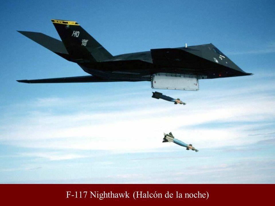 Un F-117 repostando en vuelo