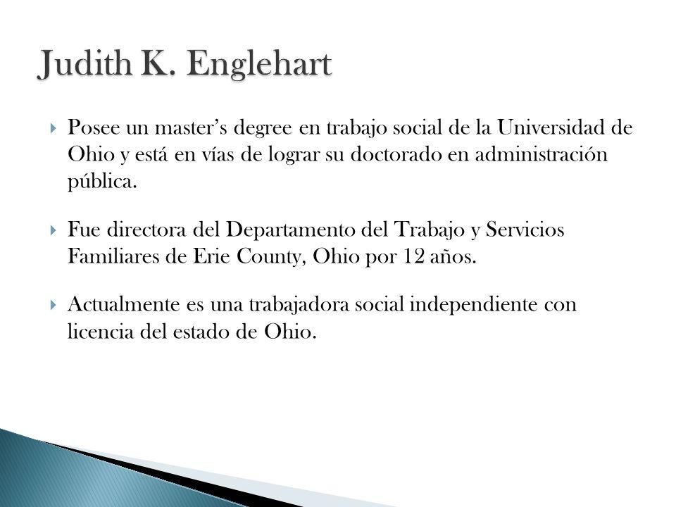 Posee un masters degree en trabajo social de la Universidad de Ohio y está en vías de lograr su doctorado en administración pública.
