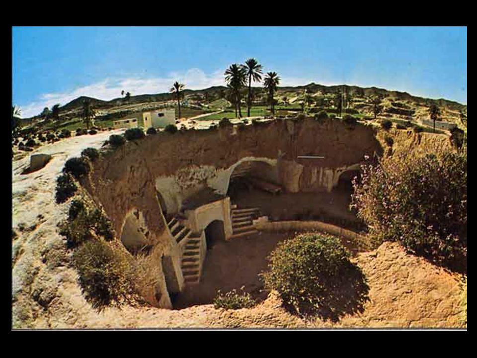 MATMATA מטמטה היא יישוב המערות המפורסם ביותר של תוניסיה.