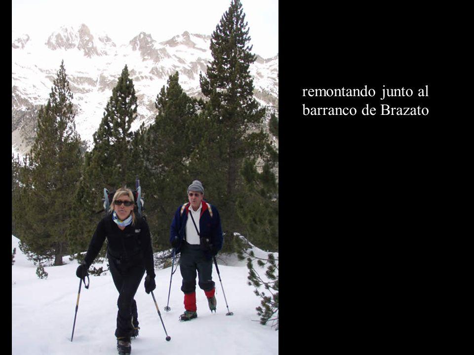 Pico del Tablato 2701m Jesús Vallés Jesús Yarza Maite Ameli Quique Félix