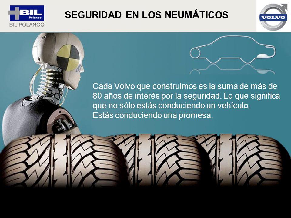 Cada Volvo que construimos es la suma de más de 80 años de interés por la seguridad. Lo que significa que no sólo estás conduciendo un vehículo. Estás