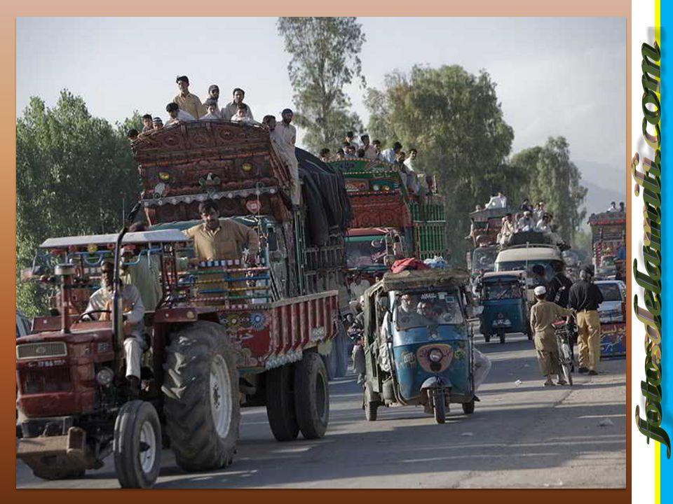 DRAMATICO EXODO EN PAKISTAN DRAMATICO EXODO EN PAKISTAN La gran ofensiva de las tropas del gobierno contra los radicales talibanes en el noroeste de Pakistán provocó que 750.000 personas deban desplazarse de la zona de conflicto, dijo el portavoz gubernamental Ishfaq Gondal en Islamabad.