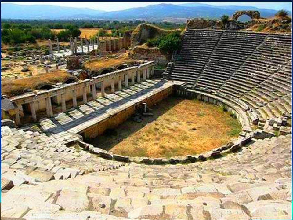 El estadio, es el mayor y mejor conservado de Anatolia, por lo tanto es la obra más destacada de Afrodisias.